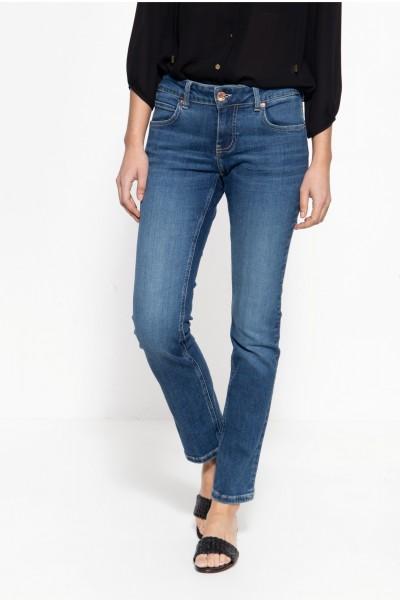 Straight Fit Jeans mit legeren Waschungen »Stella«