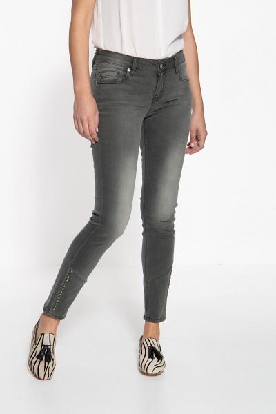ATT JEANS Slim Fit Jeans mit Teilungsnähten und Nieten Leoni