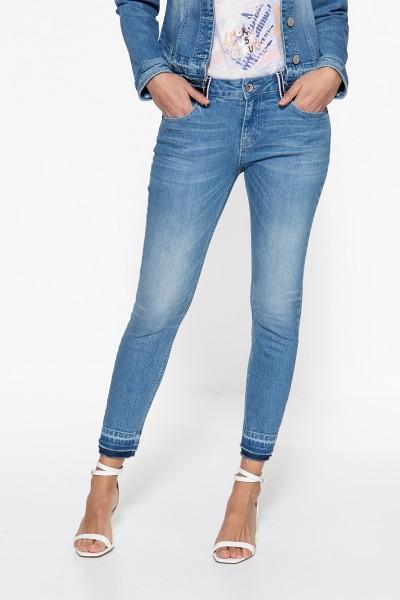 ATT JEANS Slim Fit Jeans »Leoni« mit aufgesteppten Bändern an den Gürtelschlaufen Leoni