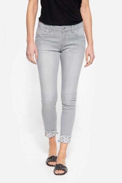 Slim Fit Jeans mit coolem Nieten-Detail »Leoni«